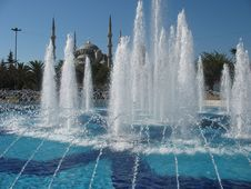 Free Fountain At The Blue Mosque Royalty Free Stock Photography - 35001887