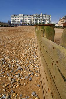 Free Eastbourne Hotel And Beach Royalty Free Stock Photography - 35004127