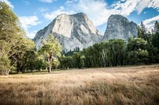 Free Yosemite Half Dome Royalty Free Stock Photography - 35022457