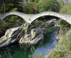 Free Ponte Dei Salti Verzasca Royalty Free Stock Image - 35026996