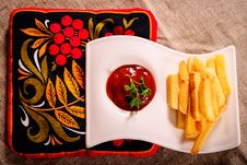 Free French Fries And Sauce Dish With Russian Kvass On Napkin Royalty Free Stock Photos - 35050538