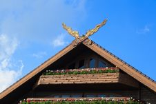 Free Thai Classical Northern Style Gable Royalty Free Stock Photo - 35054935