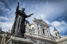 Free Almudena Cathedral Stock Photos - 35058803