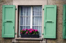 Free Window Royalty Free Stock Photo - 35061865