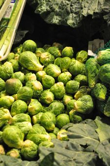Free Brussels Sprouts Royalty Free Stock Photo - 35063465