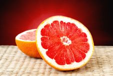 Free Cut Grapefruit Closeup Royalty Free Stock Photo - 35070355