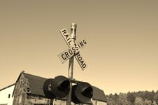 Free Railroad Crossing Signal Royalty Free Stock Photos - 35079298