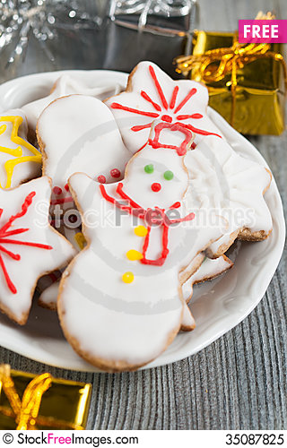 Free Christmas Cookies Royalty Free Stock Photo - 35087825