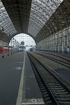 Free Covered Railway Station Stock Photo - 35088040