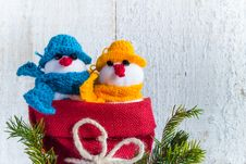 Free Snowmen Board Wooden Christmas Winter Plush Duo Stock Photography - 35099612