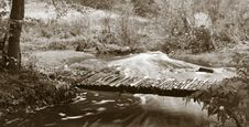 Free Footbridge Royalty Free Stock Photography - 3511257