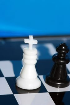 Free White Chess King Stock Image - 3512631
