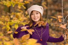 Free Girl In Fall Royalty Free Stock Photography - 3517687
