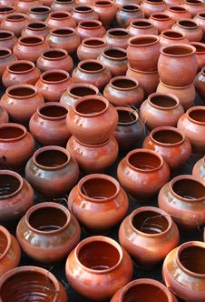 Free Brown Clay Pots Royalty Free Stock Photo - 3519965