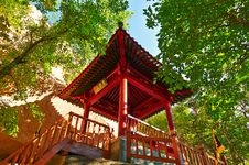 Free The Red Pavilion Of The Gallery Valley Of Zu Mountain Royalty Free Stock Images - 35106779