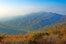 Free The Lofty Mountains Of Autumn Zu Mountain Stock Photos - 35107383