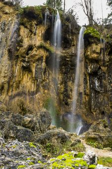 Free Pisoaia Waterfall Stock Images - 35127334