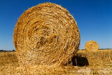 Free Straw Bales Royalty Free Stock Image - 35133196