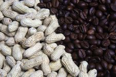 Free Peanuts And Coffee Beans Royalty Free Stock Photo - 35135515