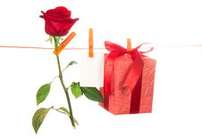 Free The Rose, Card And Gift Hang On A Linen Rope Royalty Free Stock Image - 35145196