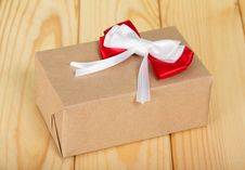 Free Box From Brown Paper With Red-white Bow Stock Image - 35150691