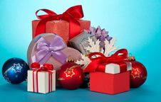Free Various Gift Boxes And Beautiful Christmas Toys Stock Photography - 35159382
