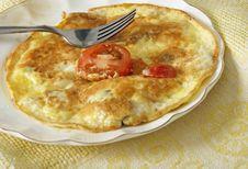 Free Fried Egg Omlet With Tomato Stock Photos - 35167843