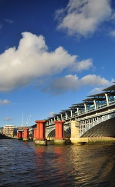 Free London, Britain. Blackfriars Bridge Railway Station Stock Photography - 35175542