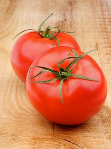 Free Two Tomatoes Royalty Free Stock Photography - 35198967