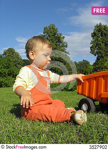 Free Boy´s Play Stock Photography - 3527902