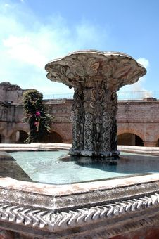 Free Fountain - Guatemala Royalty Free Stock Images - 3522899