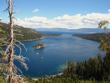 Free Emerald Bay Royalty Free Stock Photo - 3525195