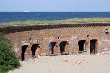 Free Fort Wall On The Coast Royalty Free Stock Images - 3526109