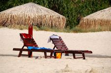 Free Umbrella And Seat On The Beach Royalty Free Stock Images - 3527429