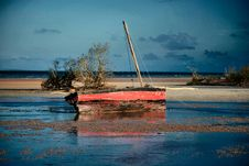 Free Red And Black Dhow Stock Photography - 3528712