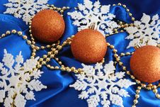 Free Christmas Decorations Stock Images - 3529874
