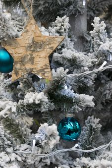 Free Christmas Tree Stock Photography - 35220092