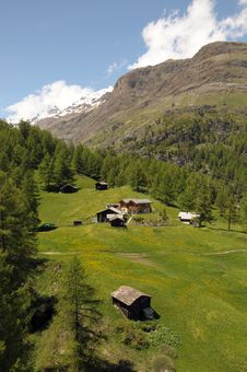 Free Huts  Around Blatten Royalty Free Stock Photo - 35224105