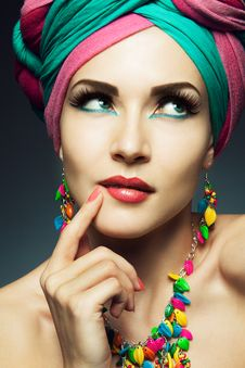 Free Beautiful Lady With Colored Turban Royalty Free Stock Photography - 35225567
