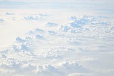 Free Puffy White Clouds Royalty Free Stock Images - 35229779