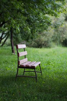 Free Bench In Park Royalty Free Stock Image - 35234646