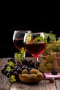 Free Grapes And Red Wine Royalty Free Stock Photo - 35255765
