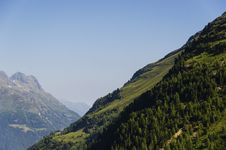 Free Mountains Landscape In A Tourist Rout Royalty Free Stock Images - 35253479