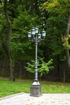 Free Streetlight Royalty Free Stock Image - 35255146