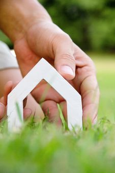 Free Hand Holding Icon House Royalty Free Stock Photography - 35269307