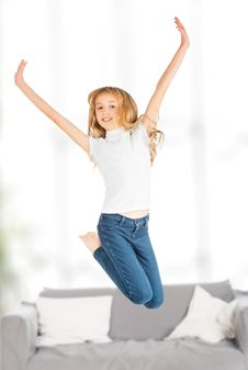 Free Happy Child Girl Jumping Royalty Free Stock Photo - 35278635