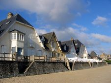 Free Norman Sea Front Houses Royalty Free Stock Photo - 3537665