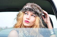 Free Fashion Girl Sitting In A Car Stock Photo - 35304900