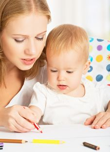 Mother And Baby Draw Color Pencil Royalty Free Stock Photos