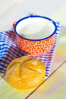 Free Cup Of Milk And Bread On Napkin Stock Photo - 35318830